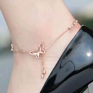 Jewelry - Gold Toned Butterfly Anklet